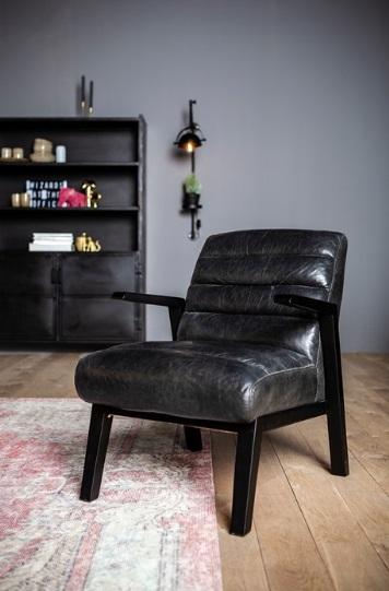 Fauteuil Montell zwart vintage leder sfeerfoto