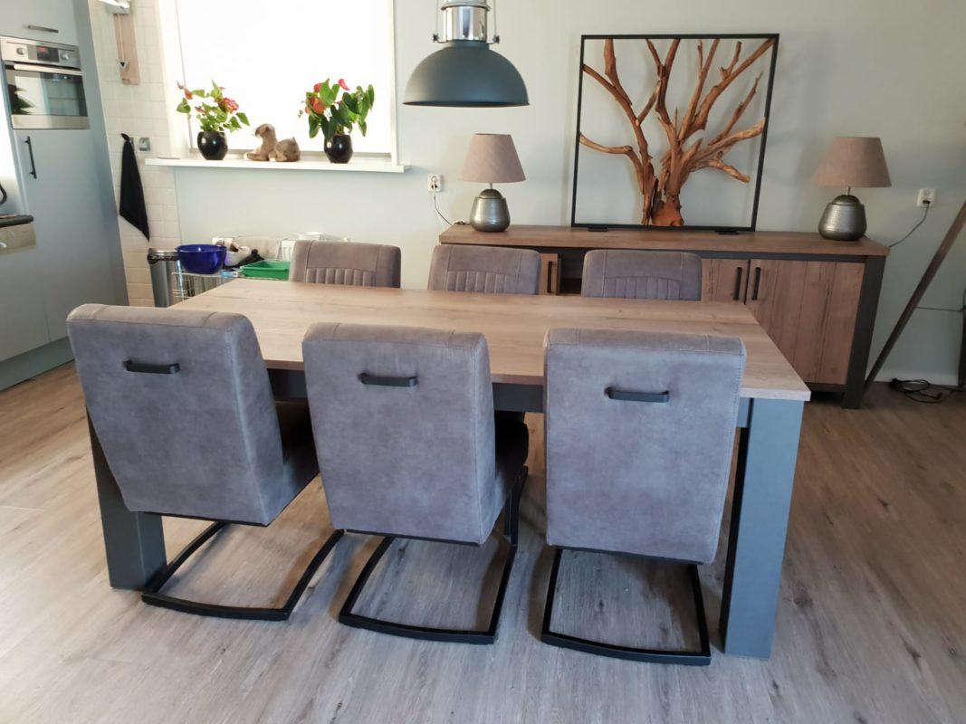 Eettafel moonlight + stoelen